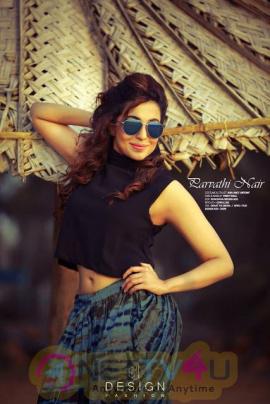 Parvatii Nair Latest  Dazzling Photoshoot Pic Hindi Gallery