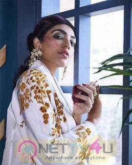 Actress Sobhita Dhulipala Cute Images English Gallery