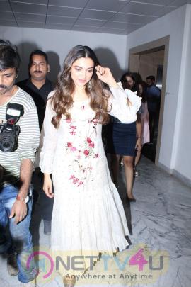 Deepika Padukone Promote Padmavati Film & Her New Song Ghoomar At Fever 104 Fm Photos Hindi Gallery