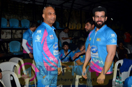 Yuva Mumbai V/S Mumbai Heroes Cricket Match With Sohail Khan & Aditya Thackeray Pics Hindi Gallery