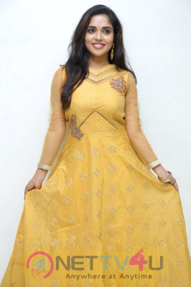 Actress Karunya Chowdary Attractive Images Telugu Gallery