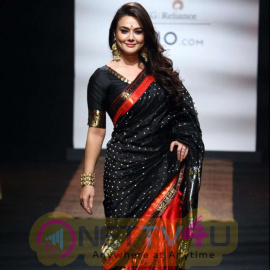Preity Zinta Traditional Walk For Lakme Summer Fashion 2017 Stills