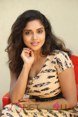 Actress Karunya Chowdary Hot and sexy Pics Telugu Gallery