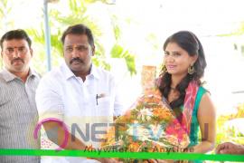 Actress Shalini Inaugurates Handloom IKAT Mela At Nizampet Pics Telugu Gallery