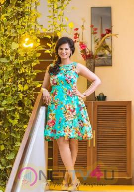 Actress Ramya Pandiyan Cute Pics
