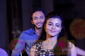 Parandhu Sella Vaa Movie New Looking Stills