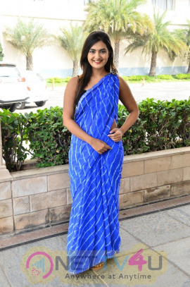 Actress Neha Deshpande Charming Stills Telugu Gallery