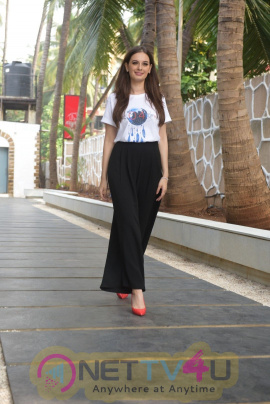 Seams For Dreams Christmas Garage By Evelyn Sharma Stills