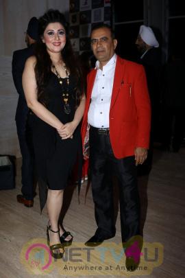Shah Rukh Khan,Alia Bhatt & Esha Gupta At Archhar Kochar Fashion Show Photos Hindi Gallery