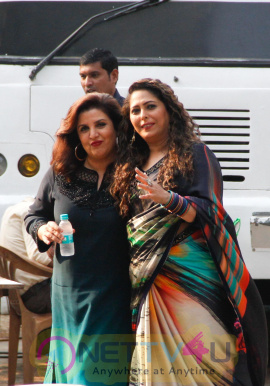 Farah Khan With Shilpa Shetty On The Sets Of Super Dancer 2 Pics