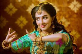 Actress Parvatii Nair Cute Images