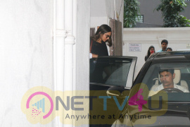 Deepika Padukone Spotted At Kavis Nail Centre Images Hindi Gallery