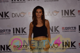 Dino Morea And Shibani Dandekar Kicking Off Womens Roots Premier League Stills