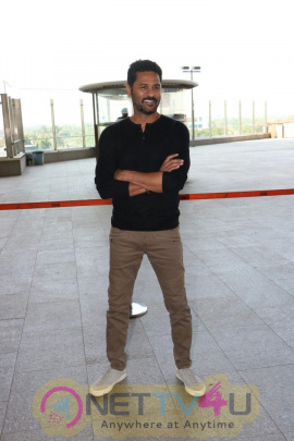 Prabhu Deva Spotted At International Airport Images Tamil Gallery