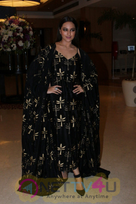 Sarah Jas & Sonakshi Sinha Attend The Awards Night For Its Short Film Festival Based On Women's Safety & Empowerment Stills