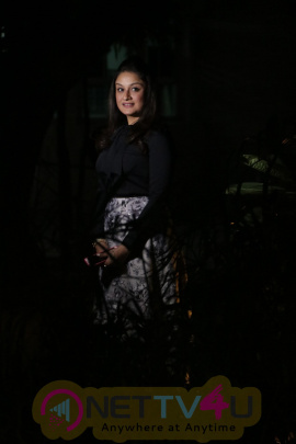 Cute Actress Sonia Agarwal Latest Pics