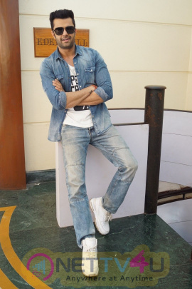 Manish Paul, Manjari Phadnis & Vishwaas Paandya Spotted For Promotion Film Baa Baa Black Sheep Pics