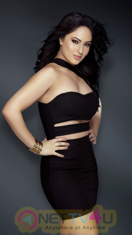 Nikesha Patel Excellent Photo Shoot Images Tamil Gallery