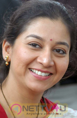 Actress Sudha Rani Beautiful Images Kannada Gallery