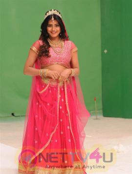 Actress Heeba Patel Gorgeous Photoshoot Telugu Gallery