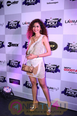 Pre Celebration Of India Premiere Edm Holi Festival With Many Celebrities Cute Photos Hindi Gallery