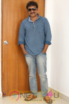 Srinu Vaitla Interview Photos Telugu Gallery