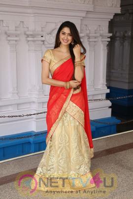 Actress Eshanya Maheshwari Lovely Stills Telugu Gallery