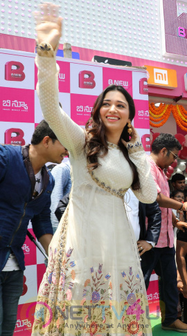 Actress Tamanna Launch B New Mobile Store At Srikakulam  Pics Telugu Gallery