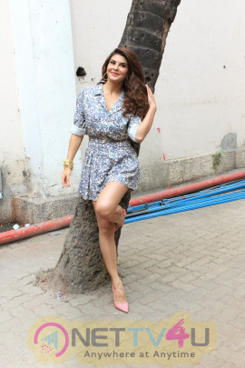 Jacqueline Fernandez Dress Change Spotted At Mehboob Studio Bandra Hindi Gallery