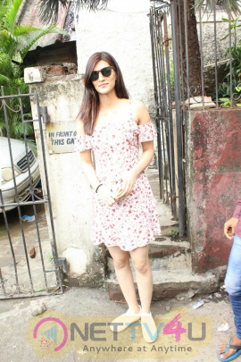 Kriti Sanon Came To Bandra Photos