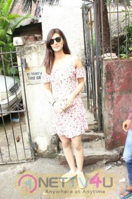 Kriti Sanon Came To Bandra Photos