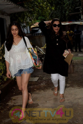 Sara Ali Khan And Amrita Singh At Kromakay Salon Juhu Images