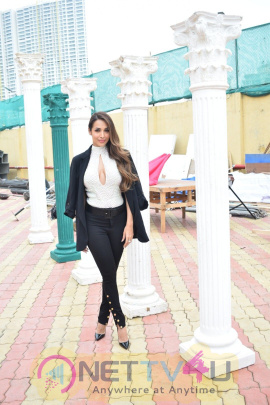 Malaika Arora Visits On The Set Of India's Next Top Model Season 3 Stills Hindi Gallery