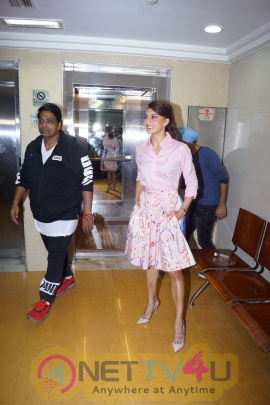 Baaghi 2 Interact With Media & The Wrap Of Jacqueline Fernandez Ek Do Teen Song Pics Hindi Gallery
