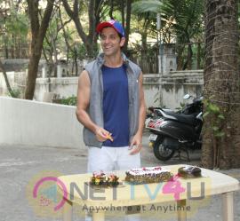 Hrithik Roshan Birthday Celebration With Media Hindi Gallery