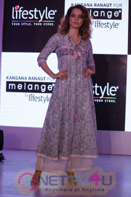 Kangana Ranaut Walk On Ramp For Lifestyle Discover The Latest Collection Photos Hindi Gallery