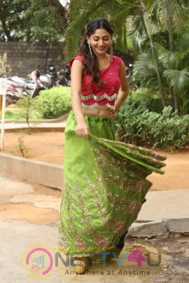 Naa Love Story Actress Sonakshi Coolest Pics Telugu Gallery