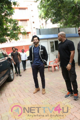 Varun Dhawan At The Launch Of Amish Tripati's New Book Suheldev At Title Waves In Bandra Images Hindi Gallery