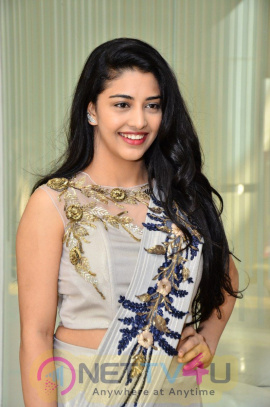 Actress Aksha Pardasany Cute Stills Telugu Gallery