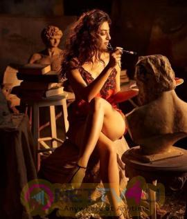Actress Radhika Apte Hot Images
