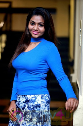 Actress Shalu Angelic Pics Tamil Gallery