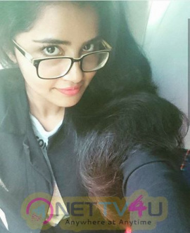 Actress Anupama Parameswaran Cute Selfie Images