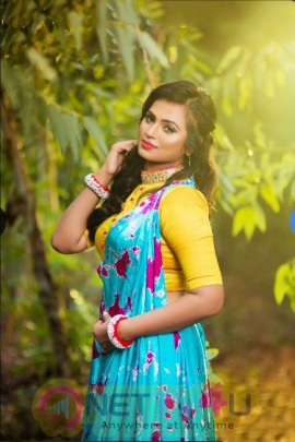 Actress Ramya Pandiyan Cute Images Tamil Gallery