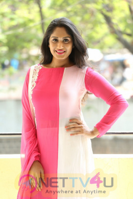Actress Sowmya Venugopal Cute Photos