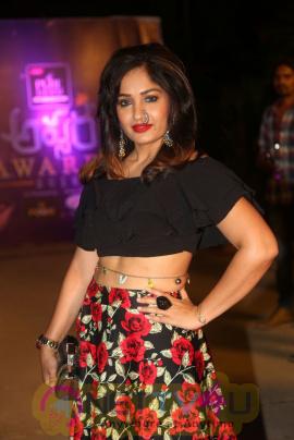 Actress Madhavi Latha  Stunning Pics Telugu Gallery