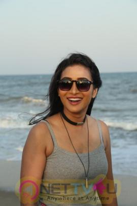 Actress Bhanu Sree Gorgeous Photos