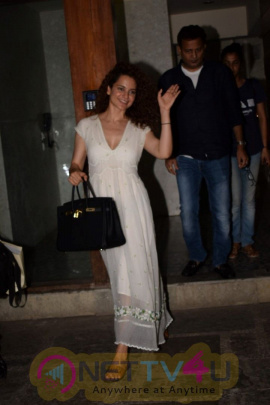 Kangana Ranaut Spotted At Juhu Exciting Stills