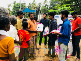 Actor Vijay Fans Helping Kerala People's Who Affected In Floods Stills