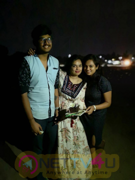 Actress Ramya Pandian Birthday Celebration Photos Tamil Gallery