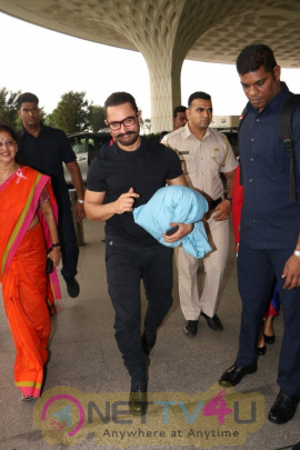 Aamir Khan Spotted At Airport Pics